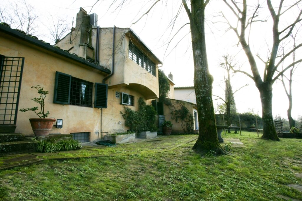 Luxury villa on Fiesole hills for sale in Florence