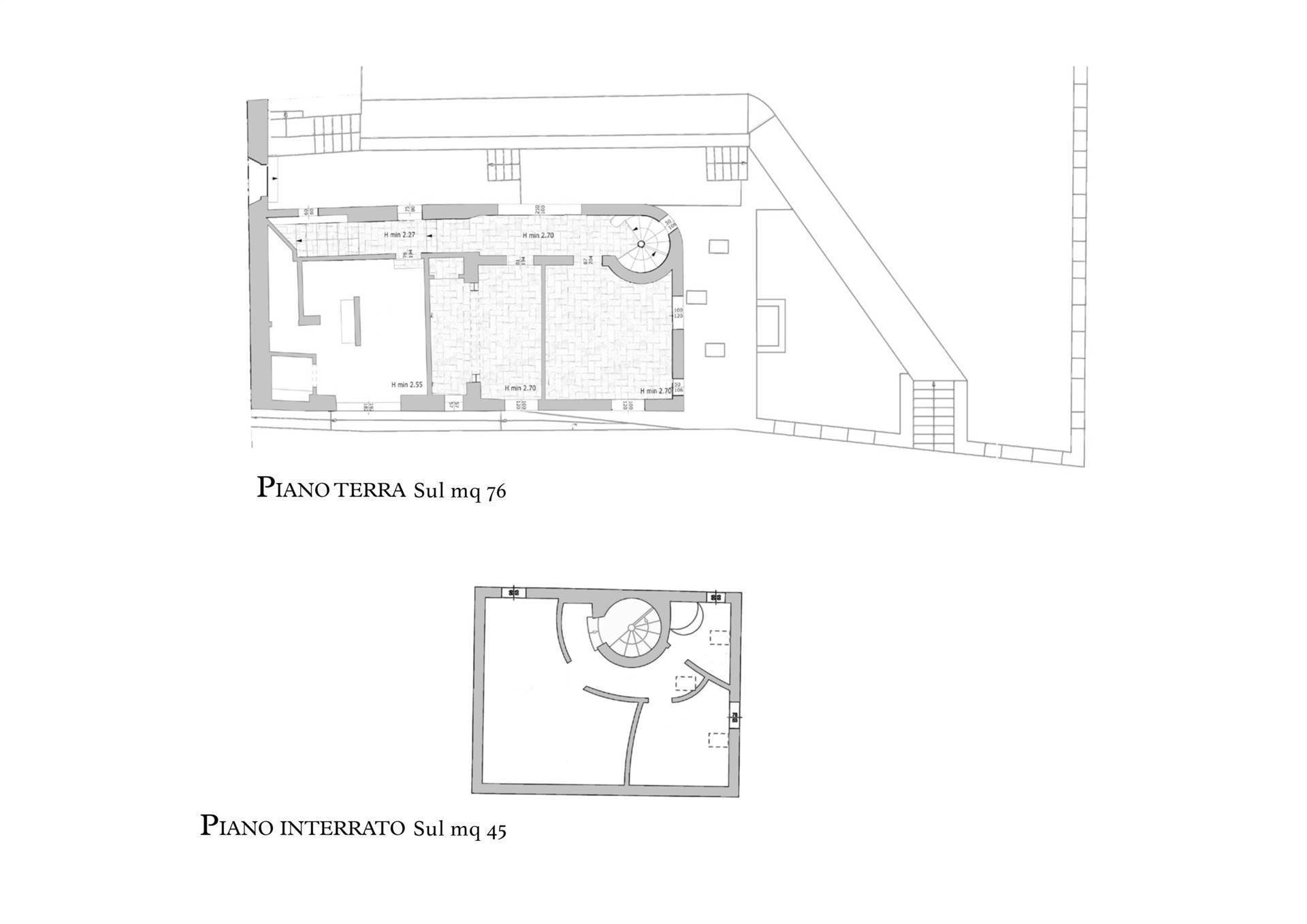 Marvelous semi detached farmhouse with little garden and lake – Florence