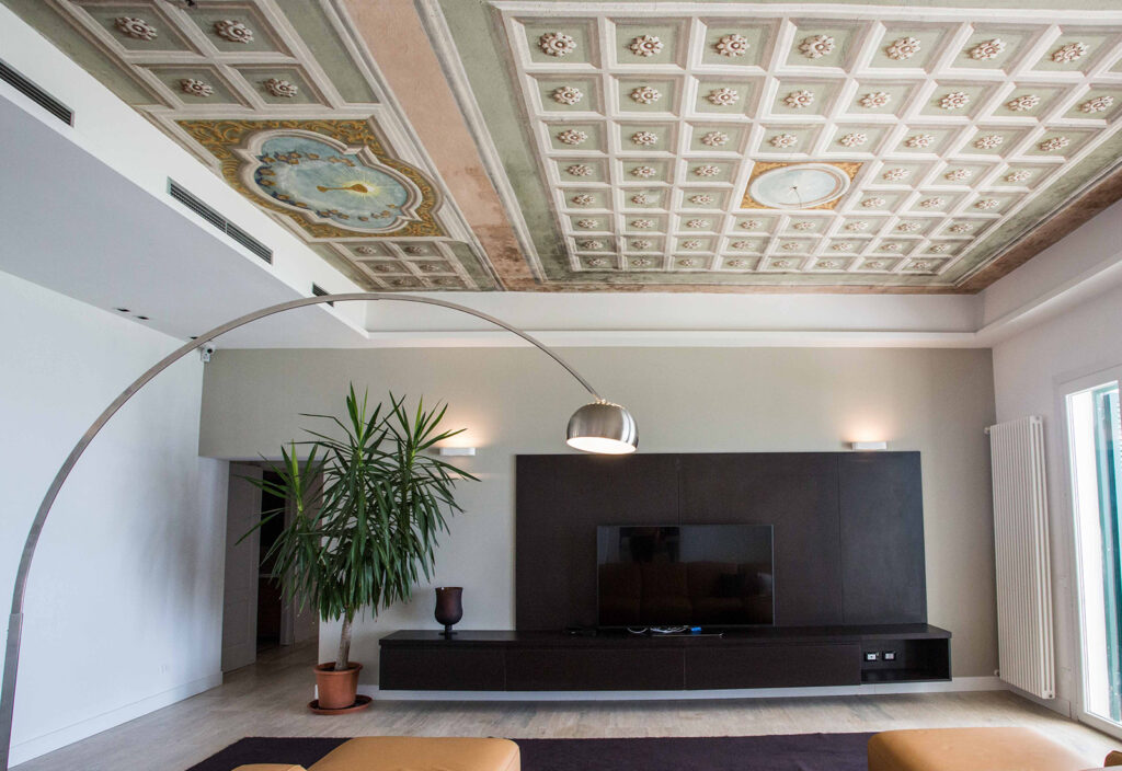 Exclusive villa with swimming pool and tennis court – Liguria